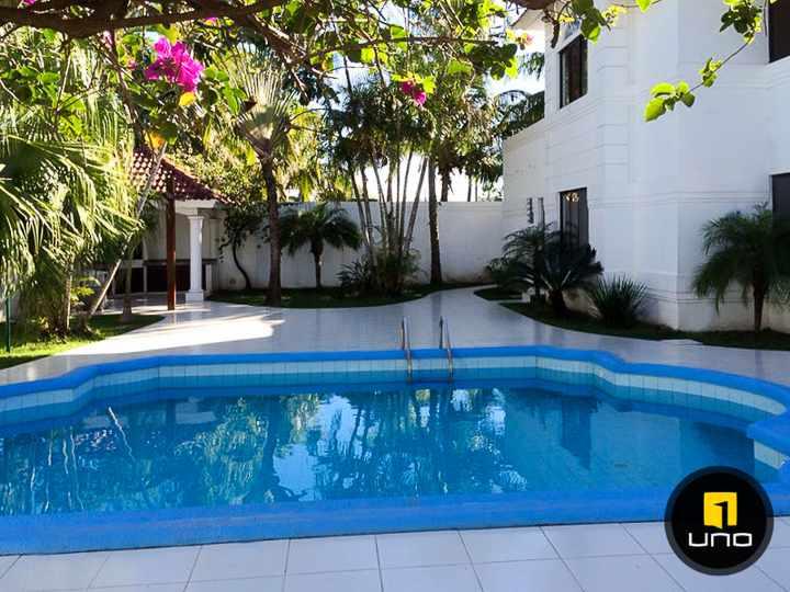 Casa en Alquiler LINDA Y AMPLIA CASA DE 2 PLANTAS CON PISCINA EN EL BARRIO LAS PALMAS Foto 4