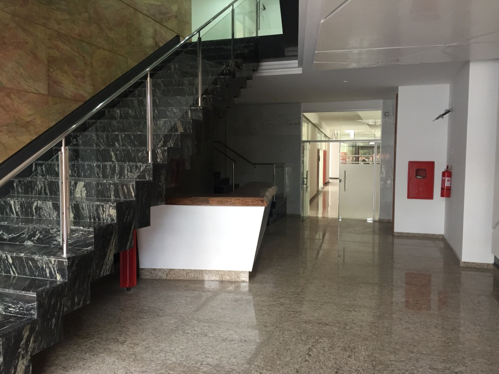 Departamento en Venta Av. Irala (Zona Centro sobre Av. Irala) Foto 3