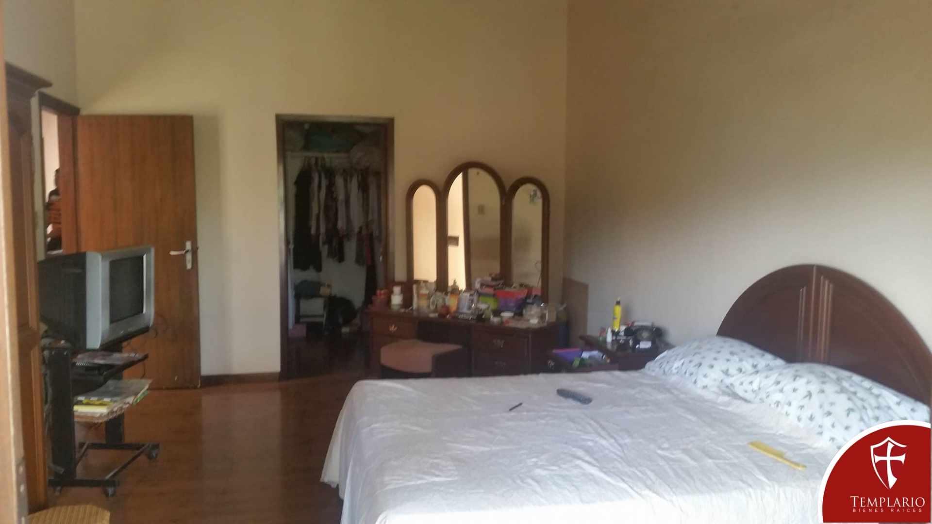 Casa en Venta Avenida La Barranca entre 2 y 3 anillo Foto 2