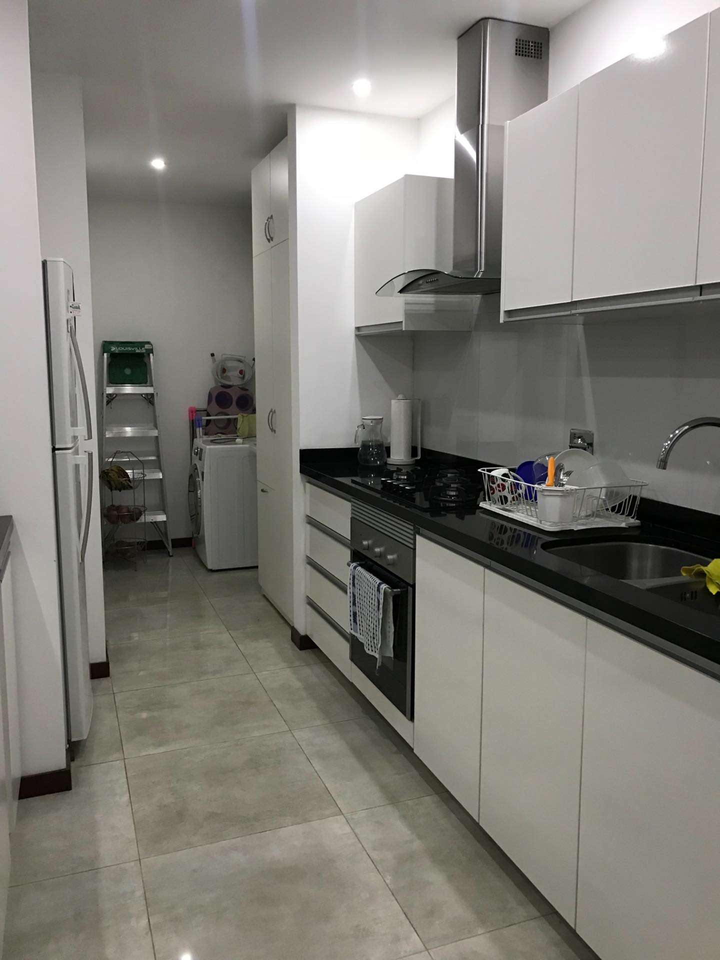 Departamento en Alquiler En exclusivo condominio zona Barrio Las Palmas  Foto 12