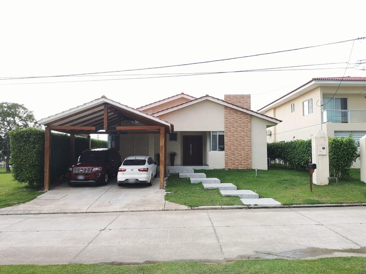 Casa en Alquiler Casa con piscina propia  en alquiler en el Urubo  Foto 2