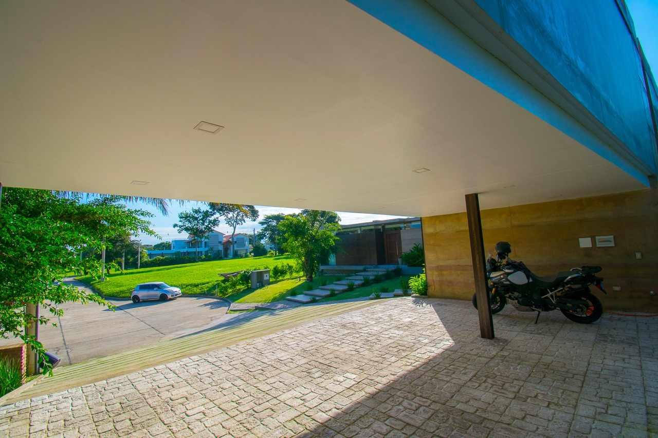 Casa en Venta CASA EN VENTA, CONDOMINIO RIO SIERRA ZONA URUBO. Foto 2