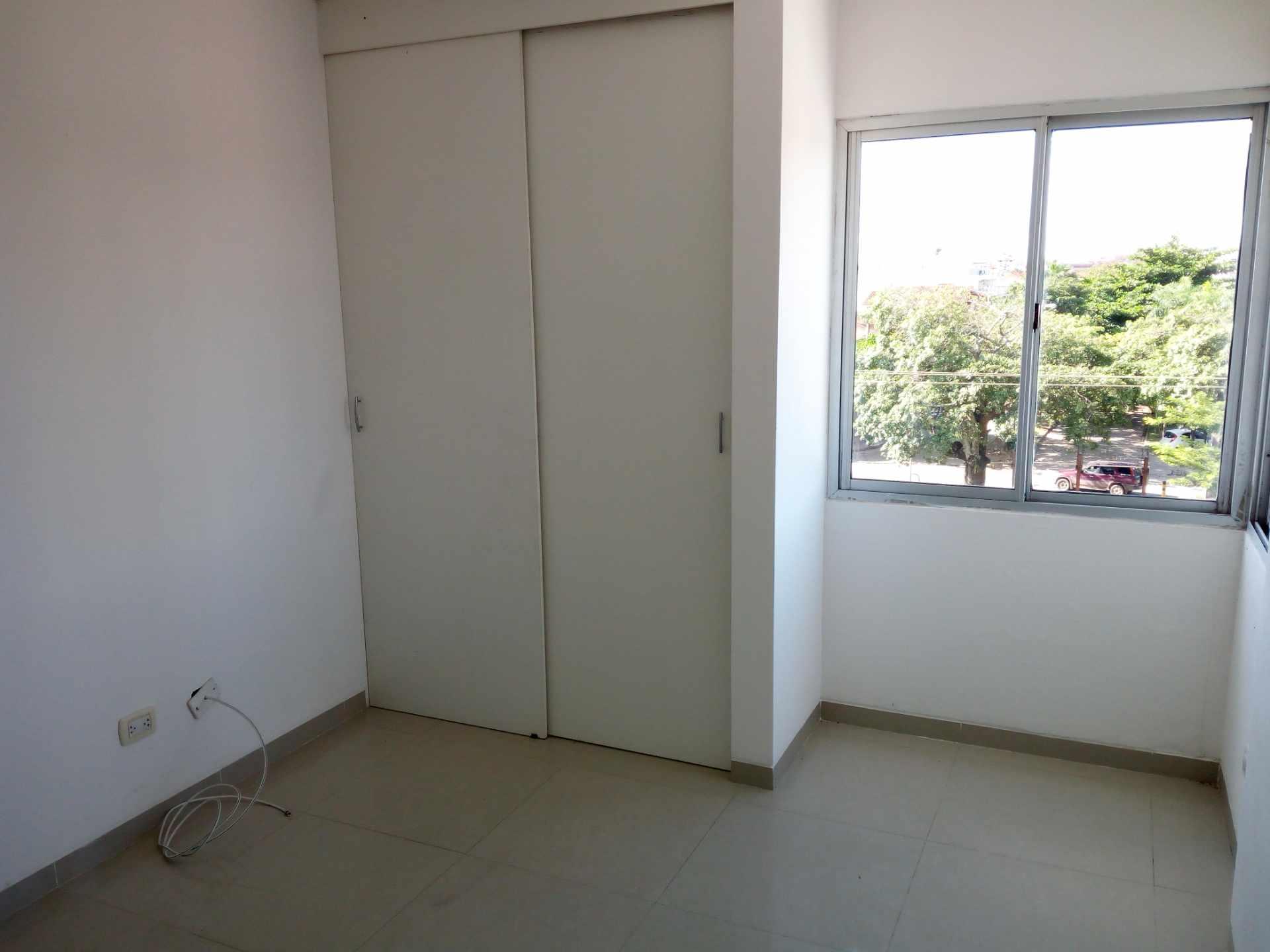 Departamento en Venta Entre 3er y 2do Anillo, Av. Guapay (Canal Cotoca) Foto 11