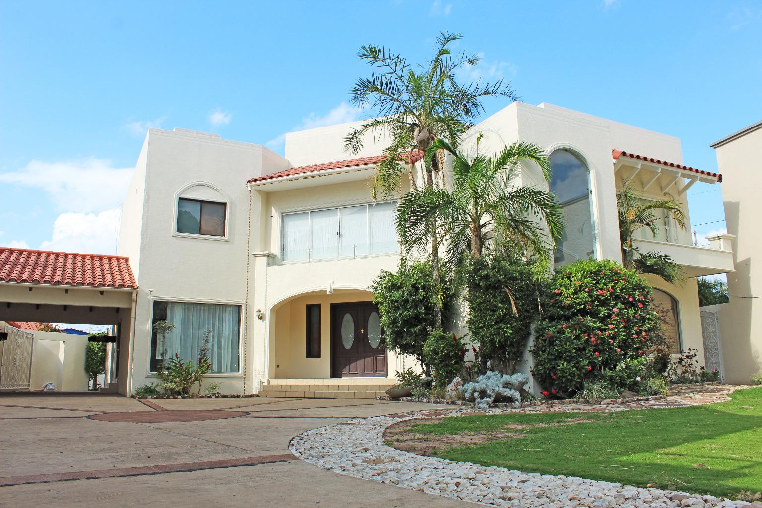 Casa en Venta 5to ANILLO BENI, CASA EN VENTA LA HACIENDA 1 Foto 21