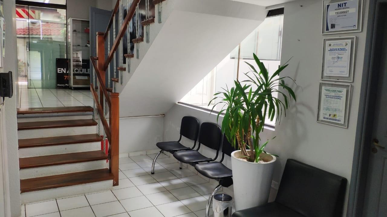 Casa en Alquiler Equipetrol Norte Foto 17
