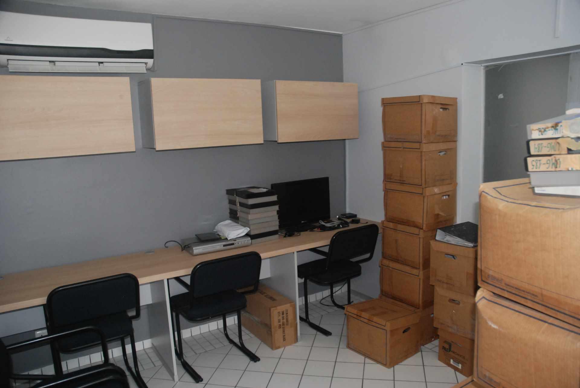 Oficina en Alquiler Cerca del colegio Cristo Rey y Avenida Irala, Calle La Riva Foto 10