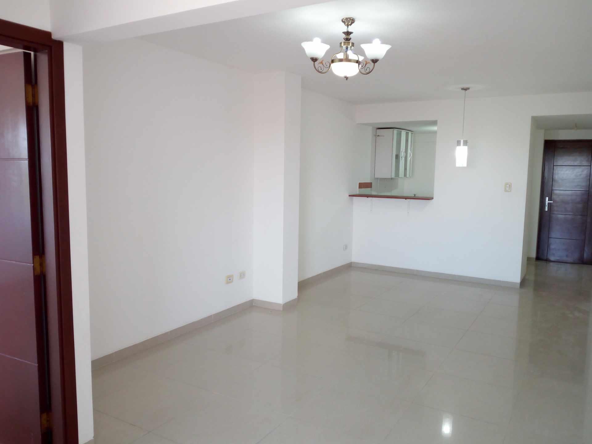 Departamento en Venta Entre 3er y 2do Anillo, Av. Guapay (Canal Cotoca) Foto 2
