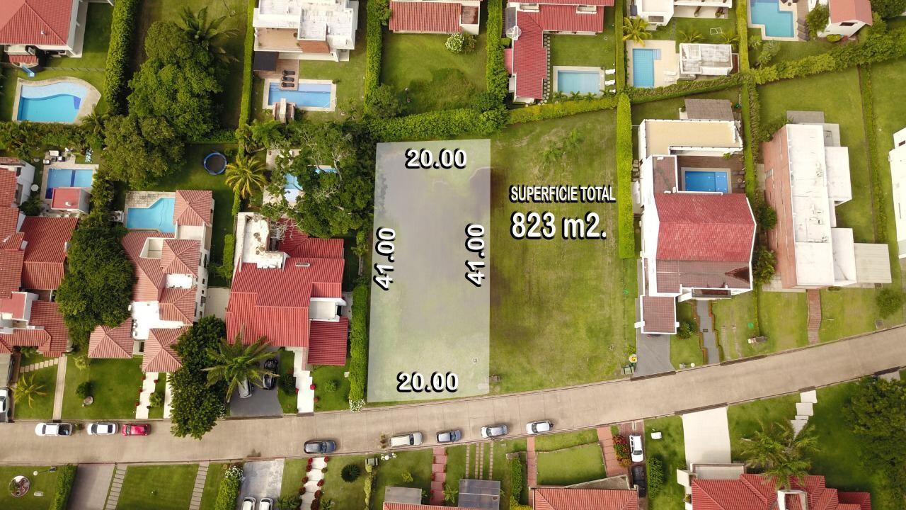 Terreno en Venta TERENO EN VENTA COLINAS DEL URUBO SECTOR 1 Foto 3