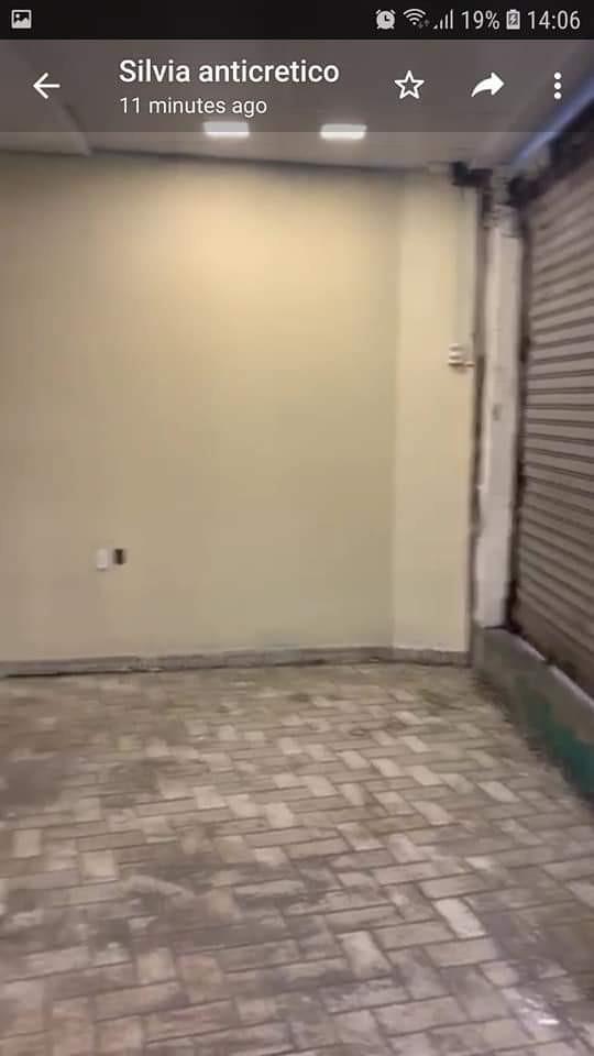 Local comercial en Anticretico Calacoto calle 25 Foto 3