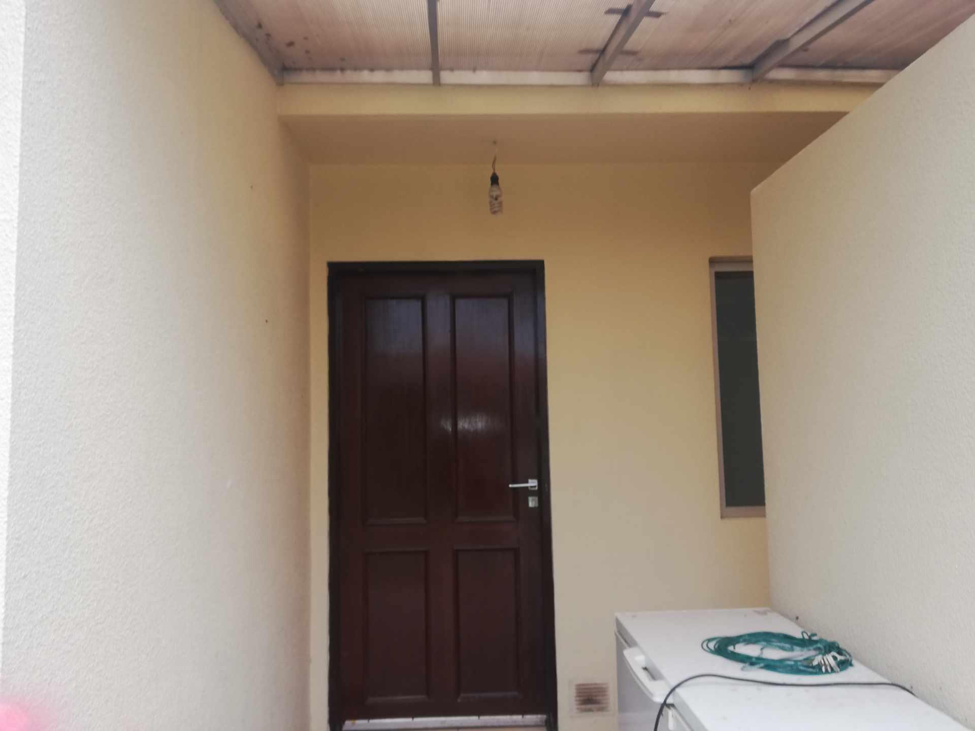 Casa en Venta Av Banzer Km. 10, Condominio Sevilla Terrazas II Foto 17