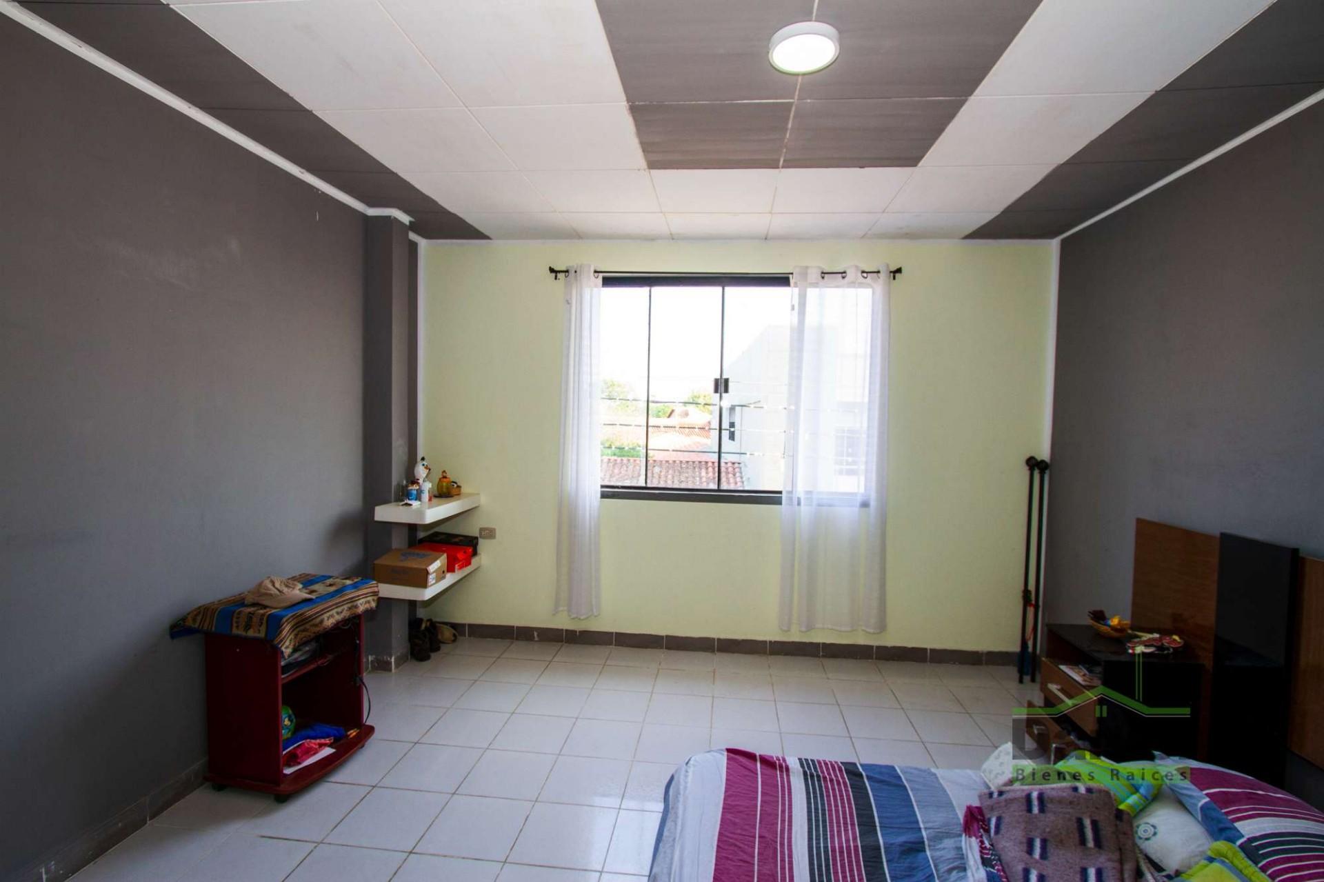 Casa en Venta EN VENTA CASA EN WARNES (LADO DERECHOS REALES) Foto 12