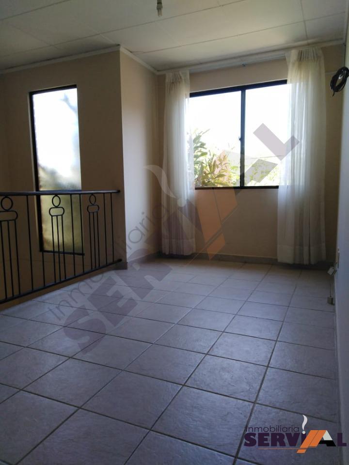 Casa en Alquiler CASA DE 2 PLANTAS INDEPENDIENTE, EN URBANIZACION, INMEDIACIONES KM 4 1/2 CIRCUNVALACIÓN Foto 5
