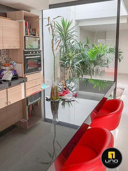 Casa en Alquiler ZONA NORTE, ENTRE 3ER Y 4TO ANILLO Foto 6