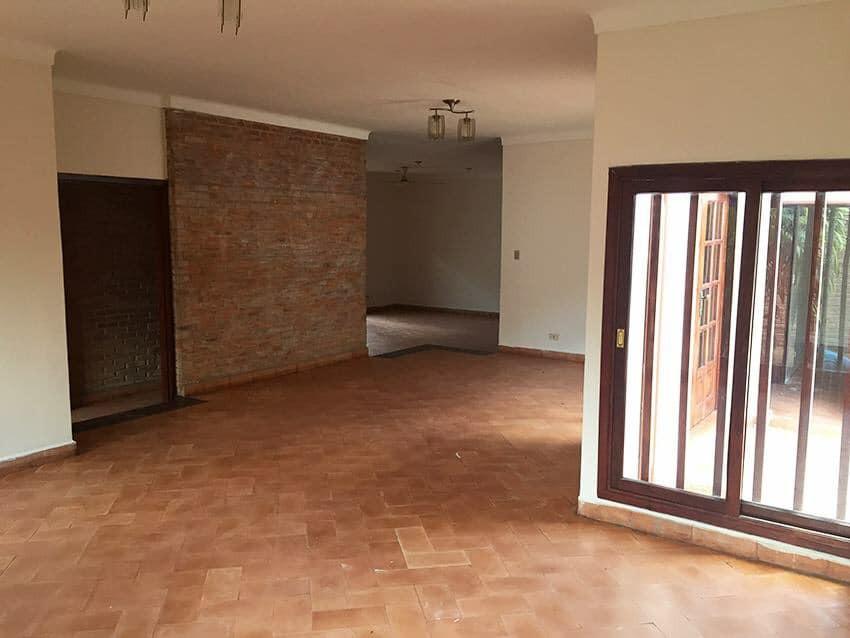 Casa en Venta Av. La Barranca, pasando 3 cuadras el 3er anillo. Foto 4