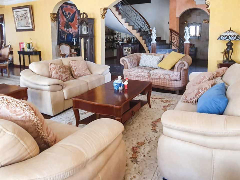 Casa en Venta Hermosa residencia en venta en Cochabamba Foto 7