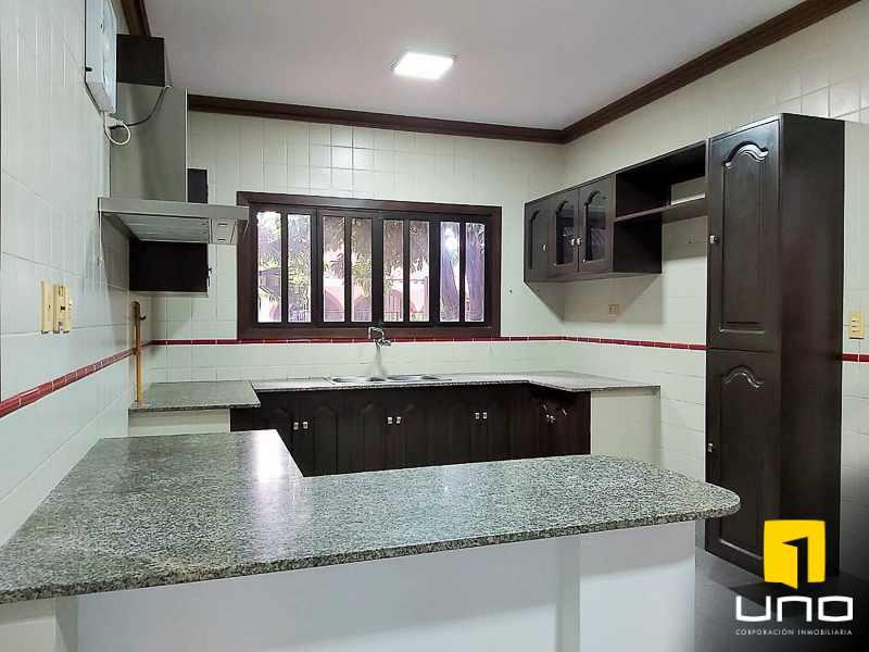 Casa en Alquiler Casa amplia en alquiler Zona EMI, Santos Dumont  3er anillo   Foto 9