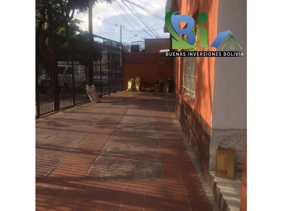 Casa en Alquiler $us 700.- CASA IDEAL OFICINA/VIVIENDA ZONA CENTRAL Foto 21
