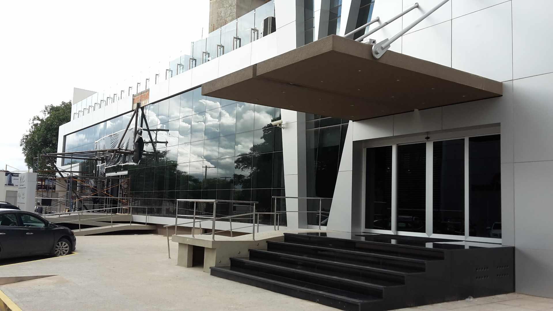 Oficina en Venta Torre ALAS Av. San Martín y 4to Anillo