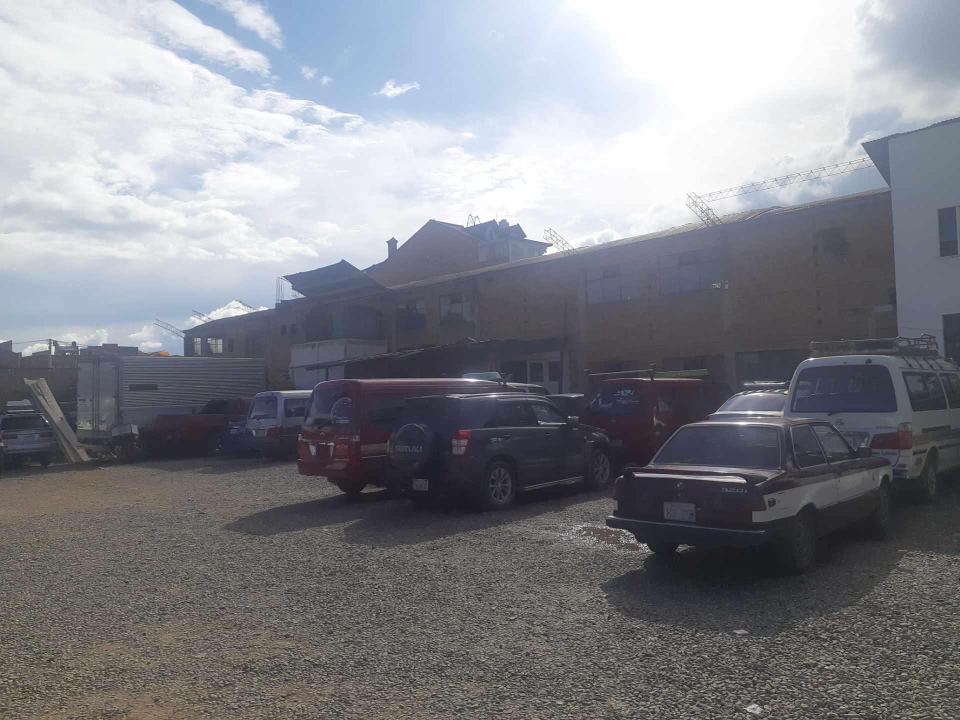 Galpón en Venta Ciudad Satélite, Avenida principal. Foto 3