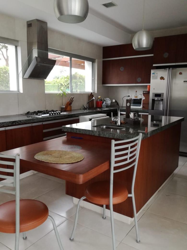 Casa en Alquiler Condominio exclusivo a pocos minutos del puente Urubó  Foto 12
