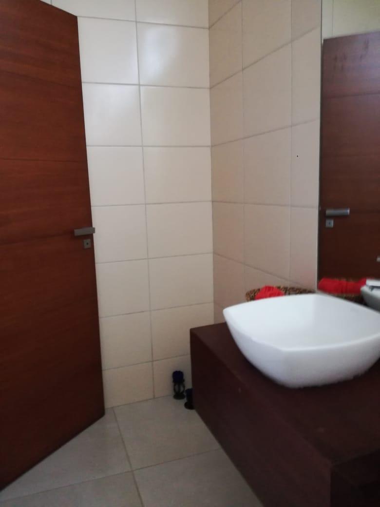 Casa en Alquiler Condominio exclusivo a pocos minutos del puente Urubó  Foto 26