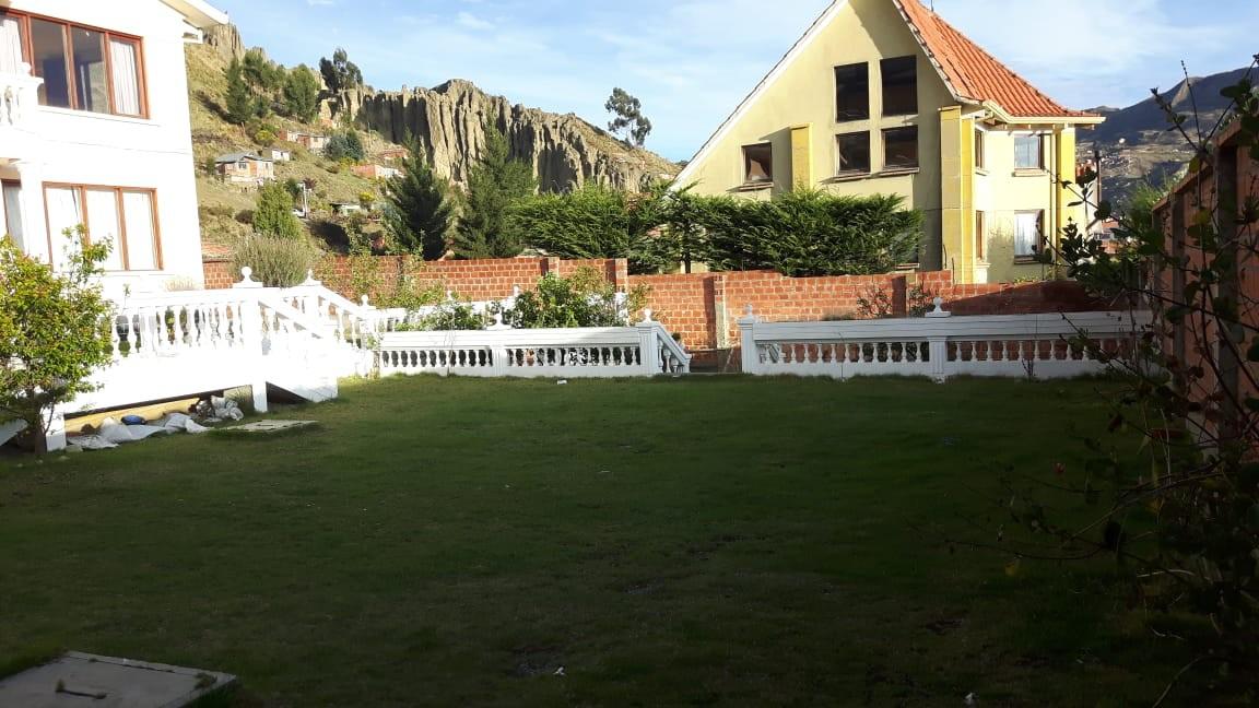 Casa en Anticretico Casa en ANTICRETICO NO MASCOTAS Las Rosas Zona Achumani La Paz todos los servicios y jardines Foto 25