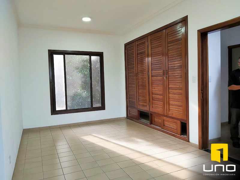 Casa en Alquiler Casa amplia en alquiler Zona EMI, Santos Dumont  3er anillo   Foto 12