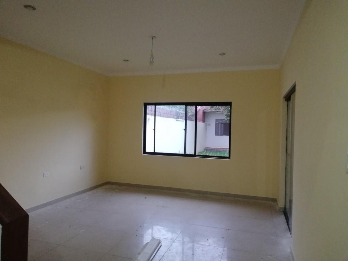 Casa en Anticretico 6TO Y 7MO ANILLO SANTO DUMONT Foto 3