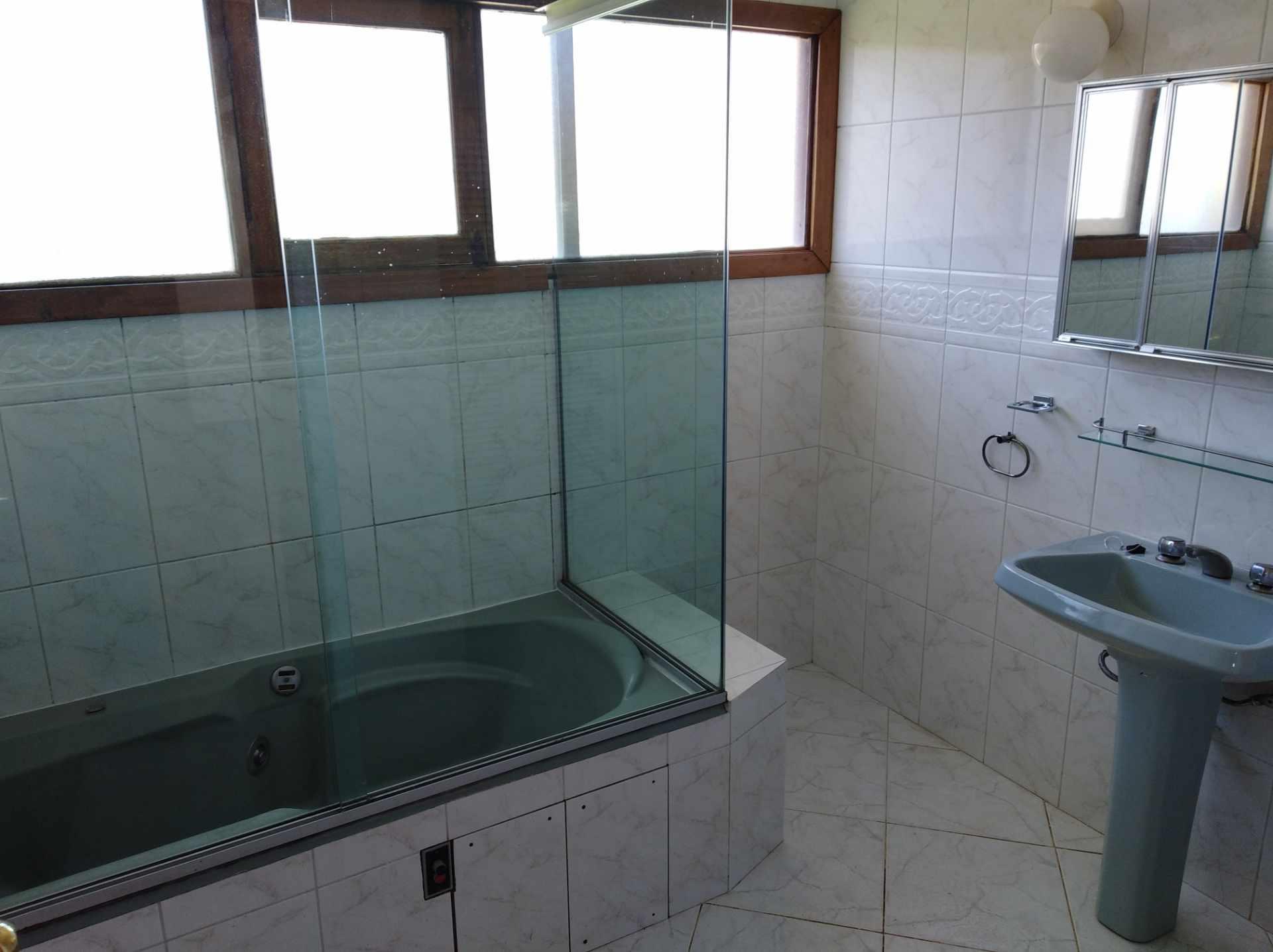 Casa en Alquiler CALACOTO calle 16 a 1/2 cuadra de la Av. Julio C. Patiño.  Foto 43