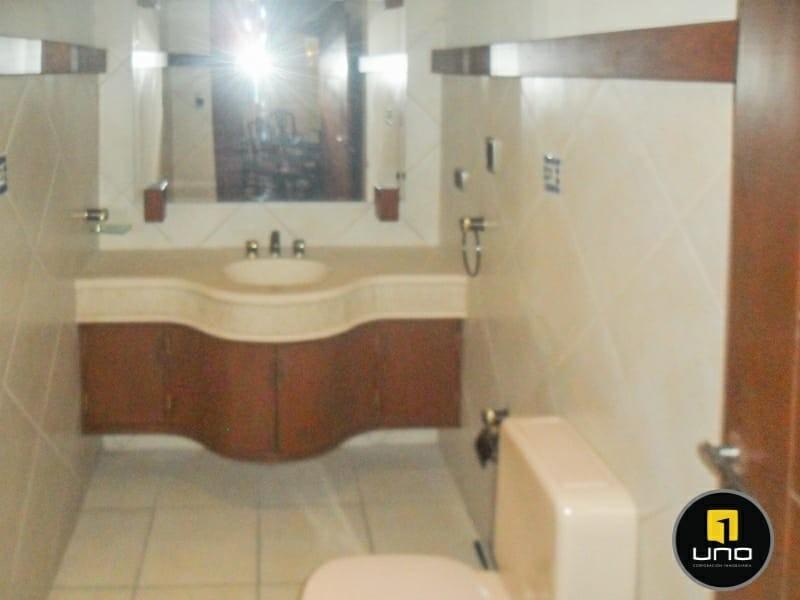 Casa en Alquiler ZONA NORTE, 4TO ANILLO Y CANAL ISUTO IDEAL PARA VIVENDA O EMPRESA Foto 13