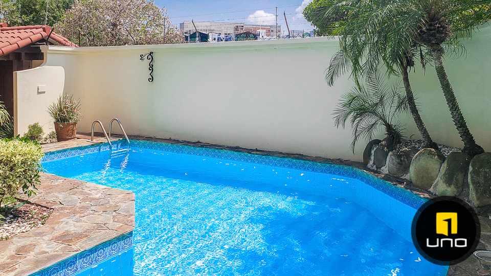 Casa en Venta Hermosa casa en venta en Equipetrol Foto 3