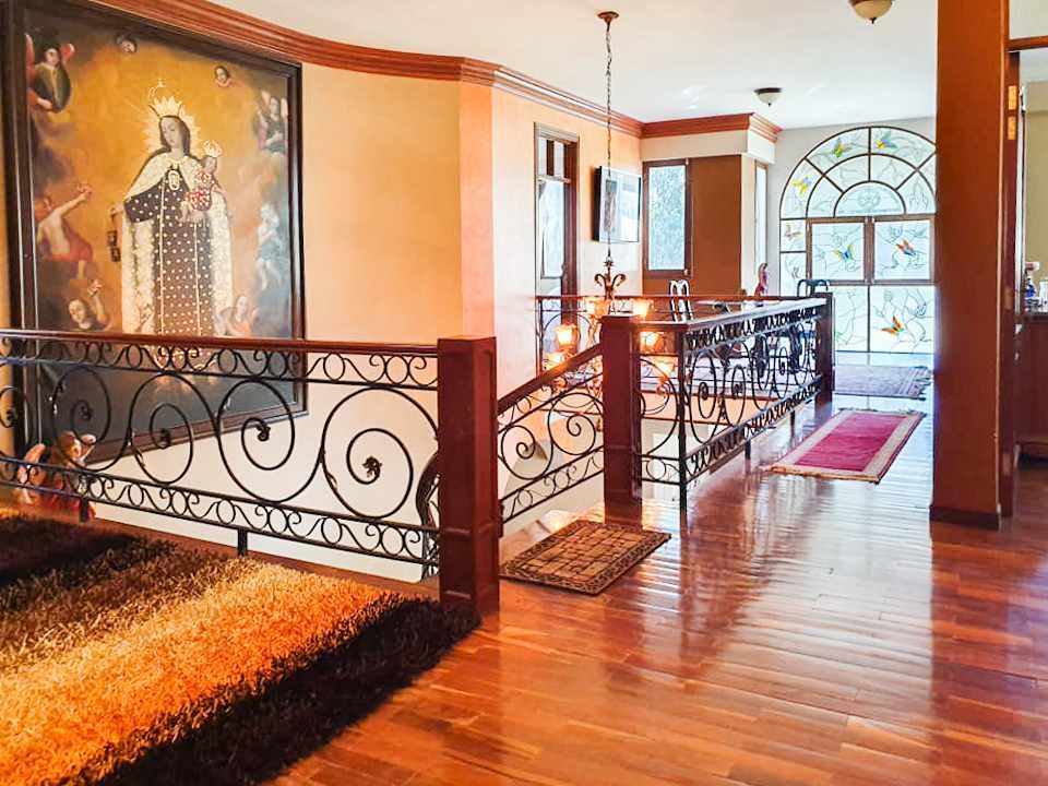 Casa en Venta Hermosa residencia en venta en Cochabamba Foto 2