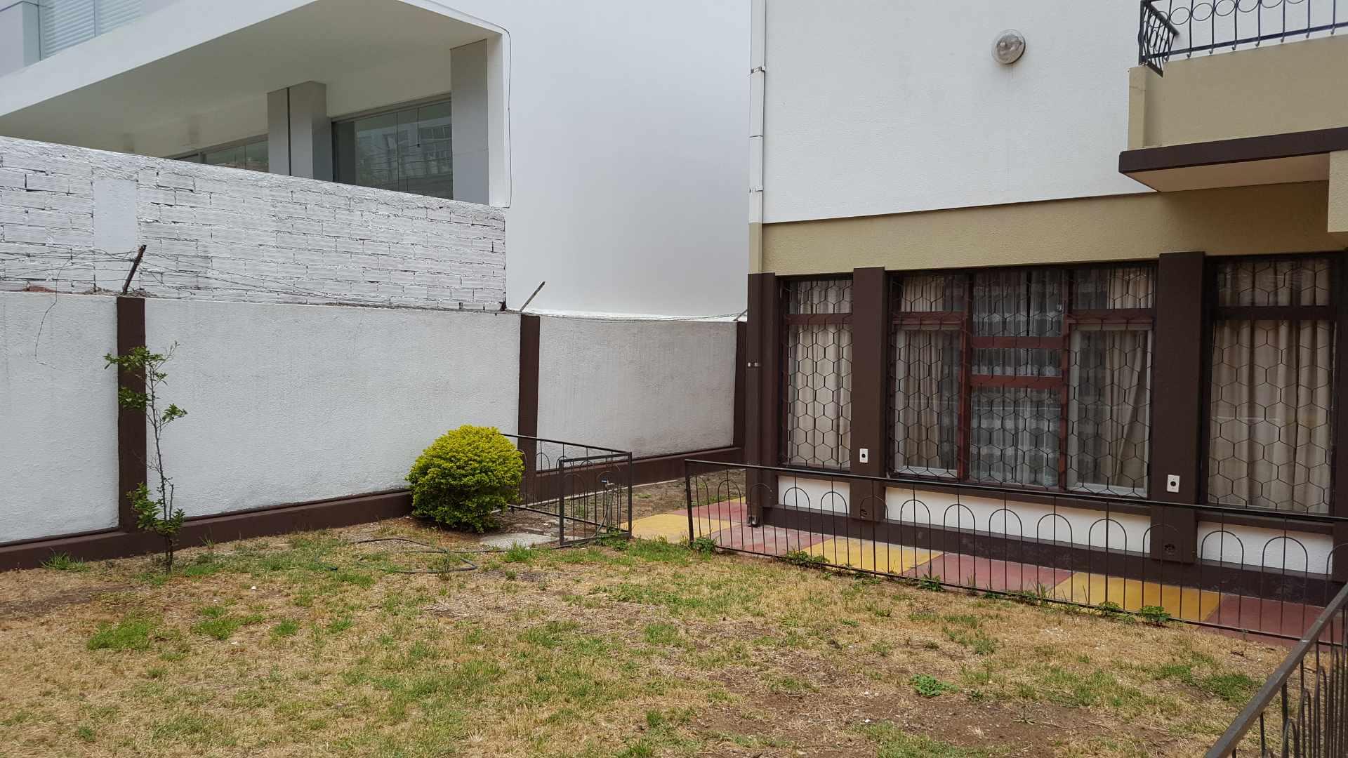 Casa en Alquiler $us.- 1.500.- ALQUILO BONITA CASA PARA OFICINAS/EMPRESA -  AV. PORTALES ENTRE SANTA CRUZ Y POTOSÍ - CEL: 707-58508 Foto 4