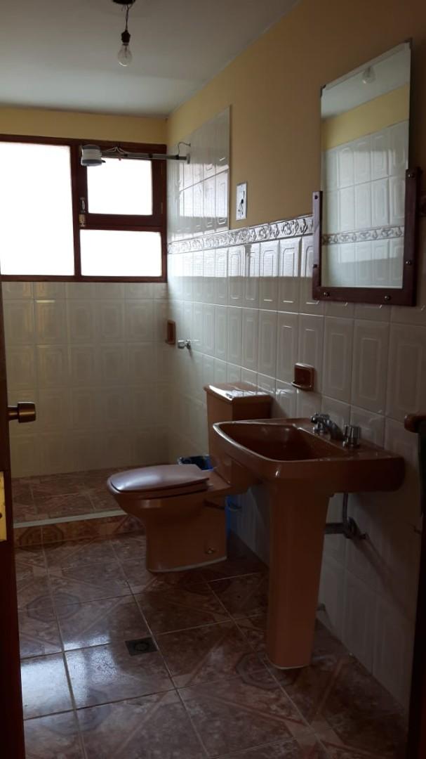 Casa en Anticretico Casa en ANTICRETICO NO MASCOTAS Las Rosas Zona Achumani La Paz todos los servicios y jardines Foto 31