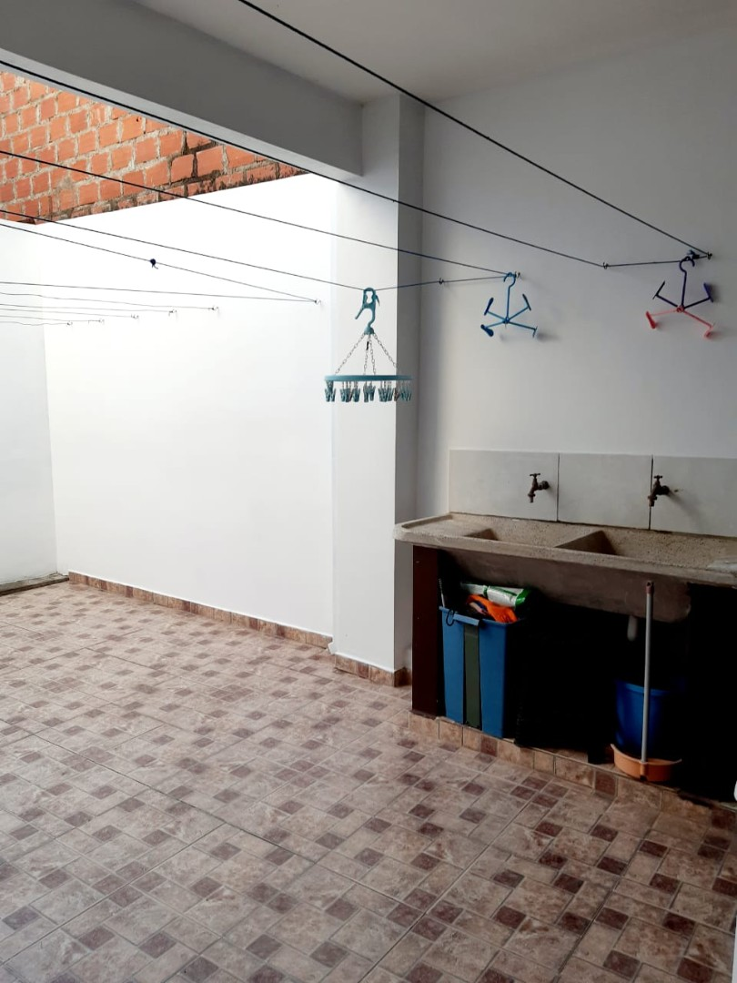 Casa en Alquiler Zona el Bajio, entre Av. Doble Via la Guardia y Radial 17 1/2, km 6 Foto 2