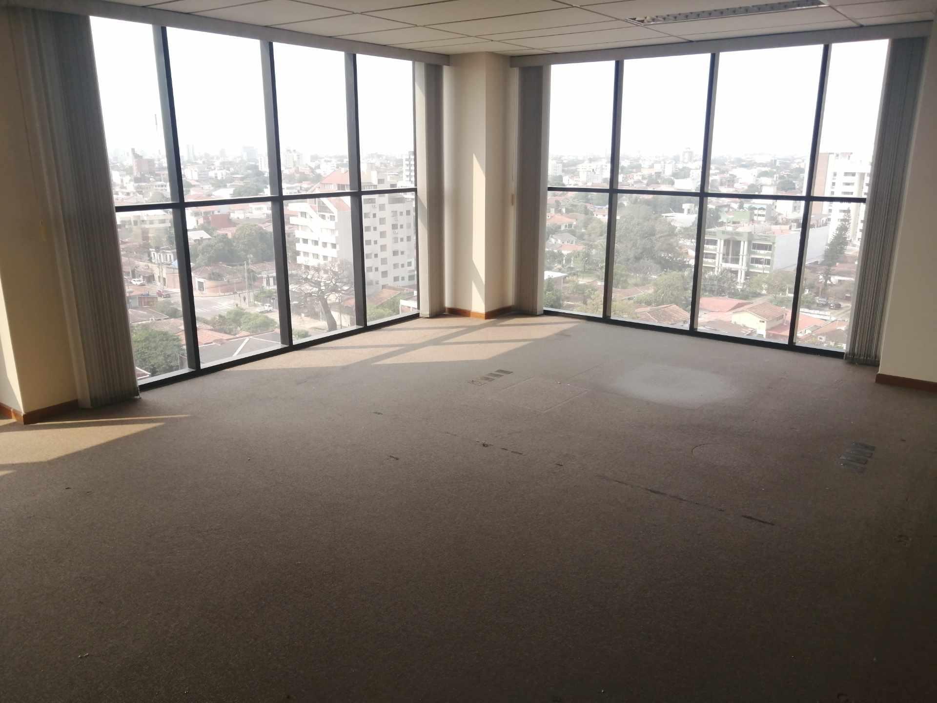 Oficina en Venta Torre Empresarial Cainco Foto 2