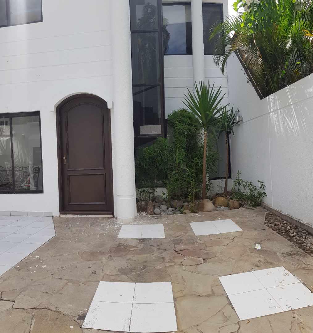 Casa en Alquiler LINDA CASA EN URBARI-  2 DORMITORIOS  Sus. 600.- Foto 17