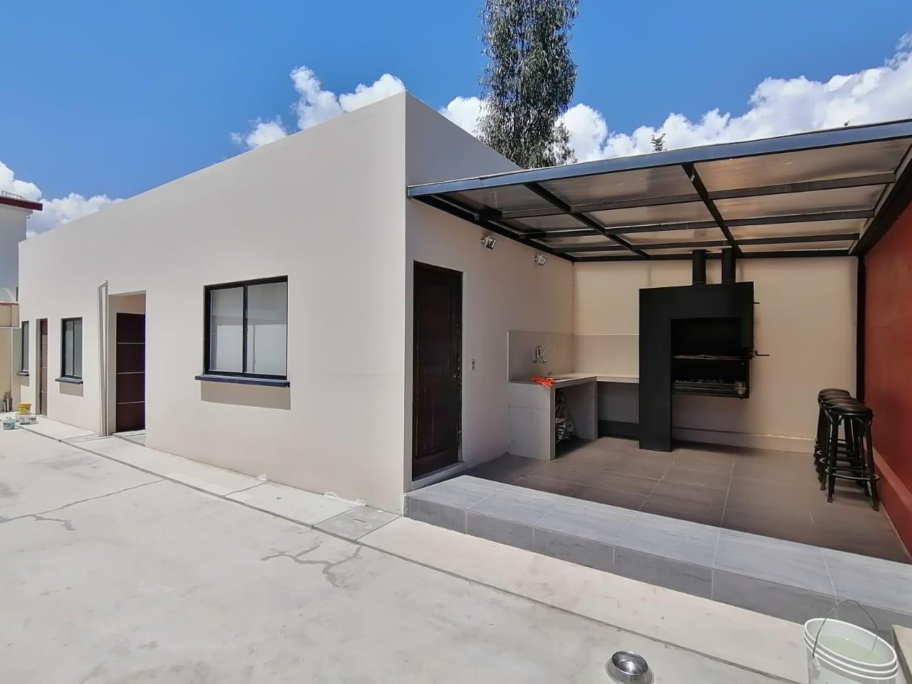 Casa en Venta $us.250.000.- LINDA CASA EN VENTA JUPAPINA 653 mtrs DE TERRENO LPZ Foto 16
