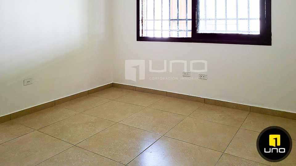 Casa en Alquiler CASA DE 1 PLANTA SOLO PARA OFICINA EN EL BARRIO EQUIPETROL Foto 10