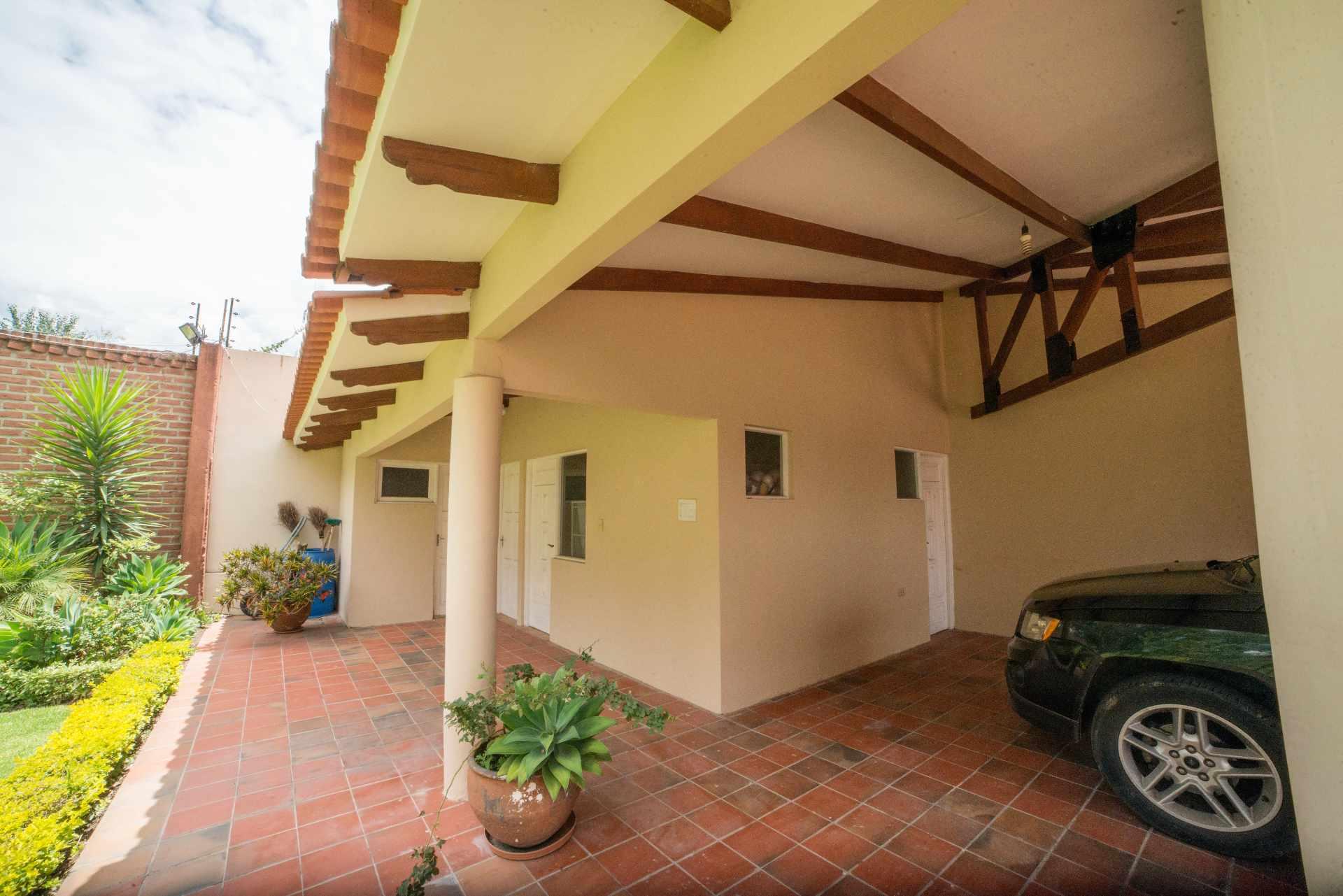 Casa en Venta PRECIOSA Y AMPLIA CASA - ZONA FINAL AMÉRICA OESTE Foto 12