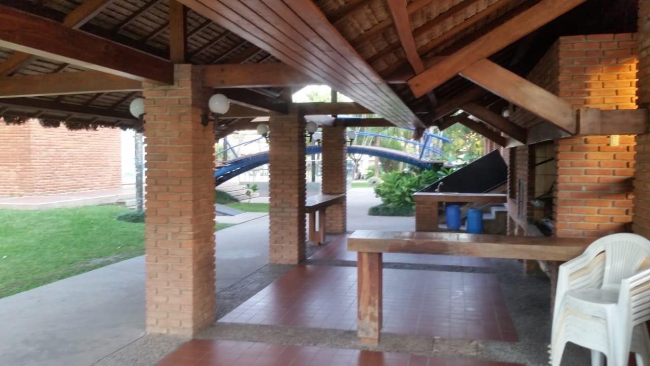 Casa en Alquiler Av. Banzer 4to anillo Foto 5