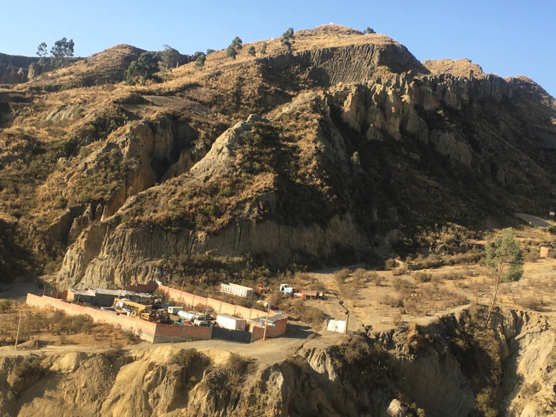 Terreno en Venta Achumani inmediaciones de la zona de Las Violetas  Foto 4
