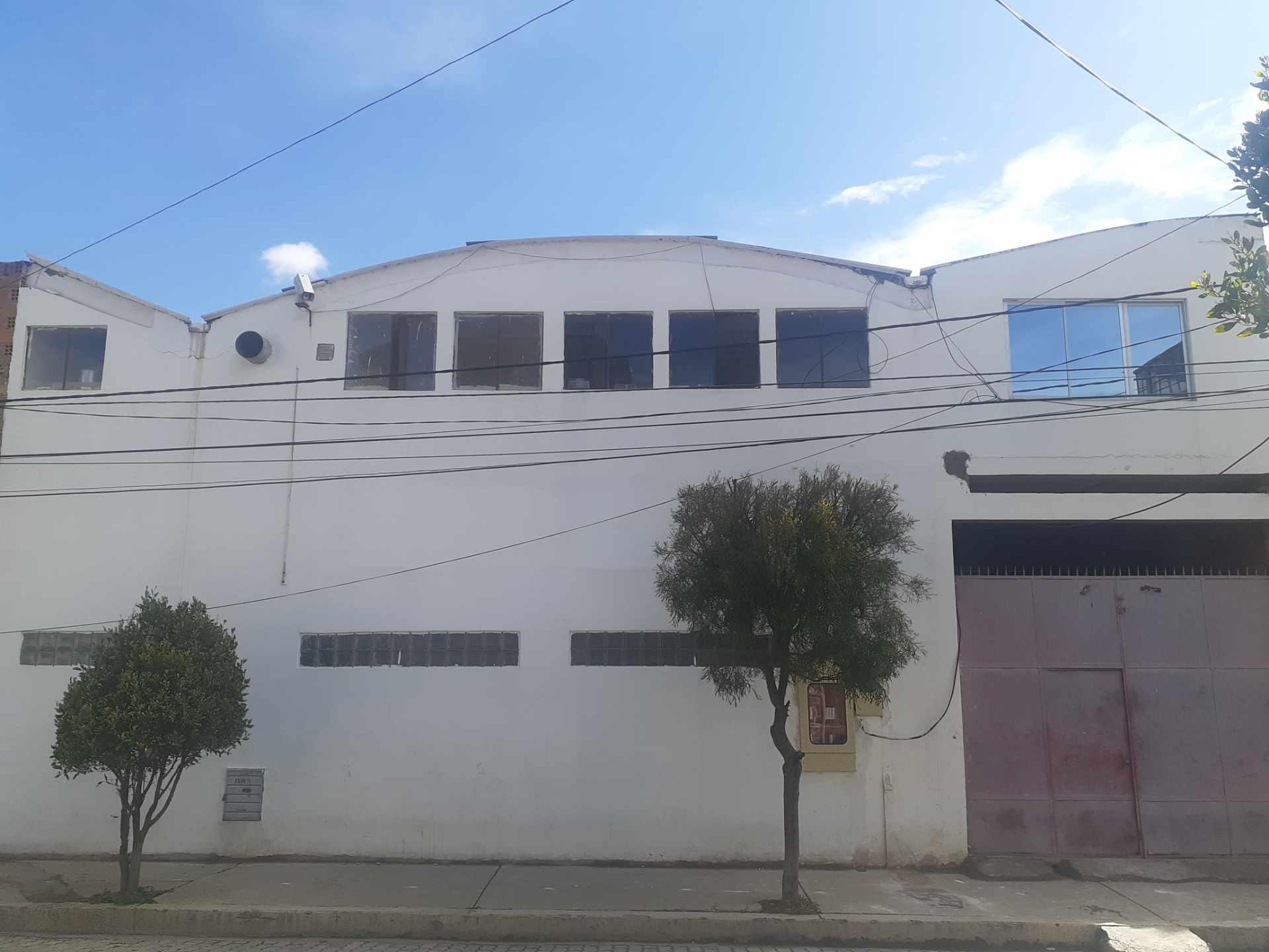 Galpón en Venta Ciudad Satélite, Avenida principal. Foto 5
