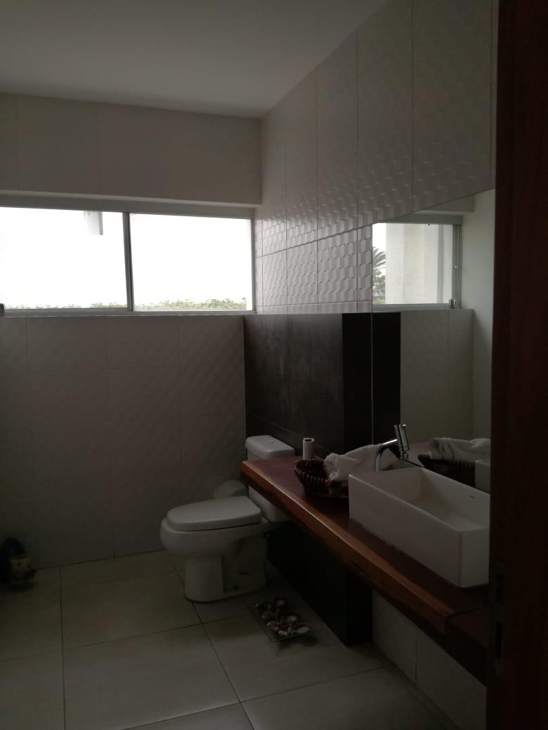 Casa en Alquiler Condominio exclusivo a pocos minutos del puente Urubó  Foto 16