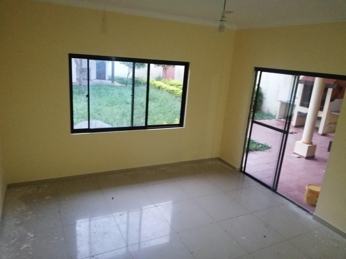 Casa en Anticretico 6TO Y 7MO ANILLO SANTO DUMONT Foto 8