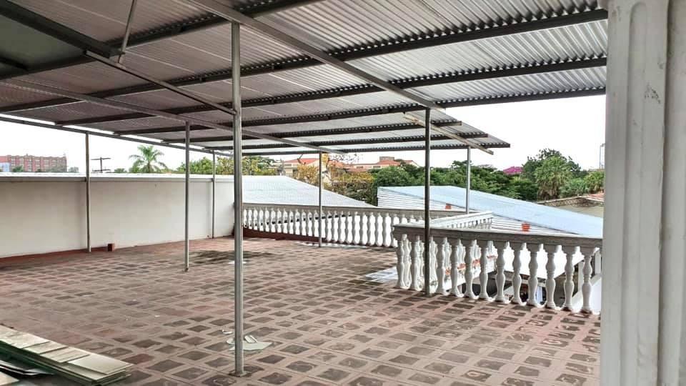 Local comercial en Venta AVENIDA OMAR CHAVEZ Foto 2