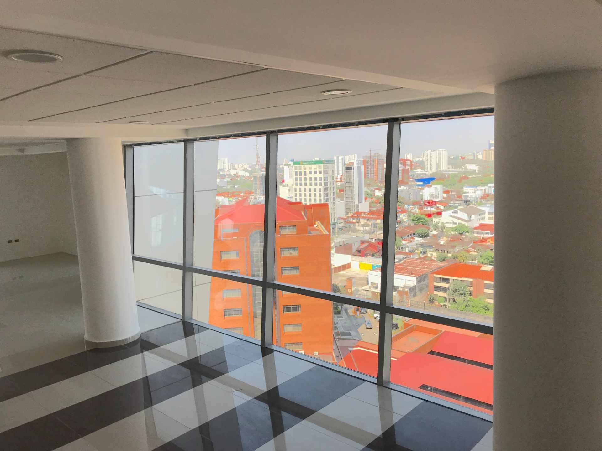 Oficina en Venta Torre de Negocios ALAS. Equipetrol Norte zona Empresarial, Av. San Martín entre 3er y 4to anillo.  Foto 5