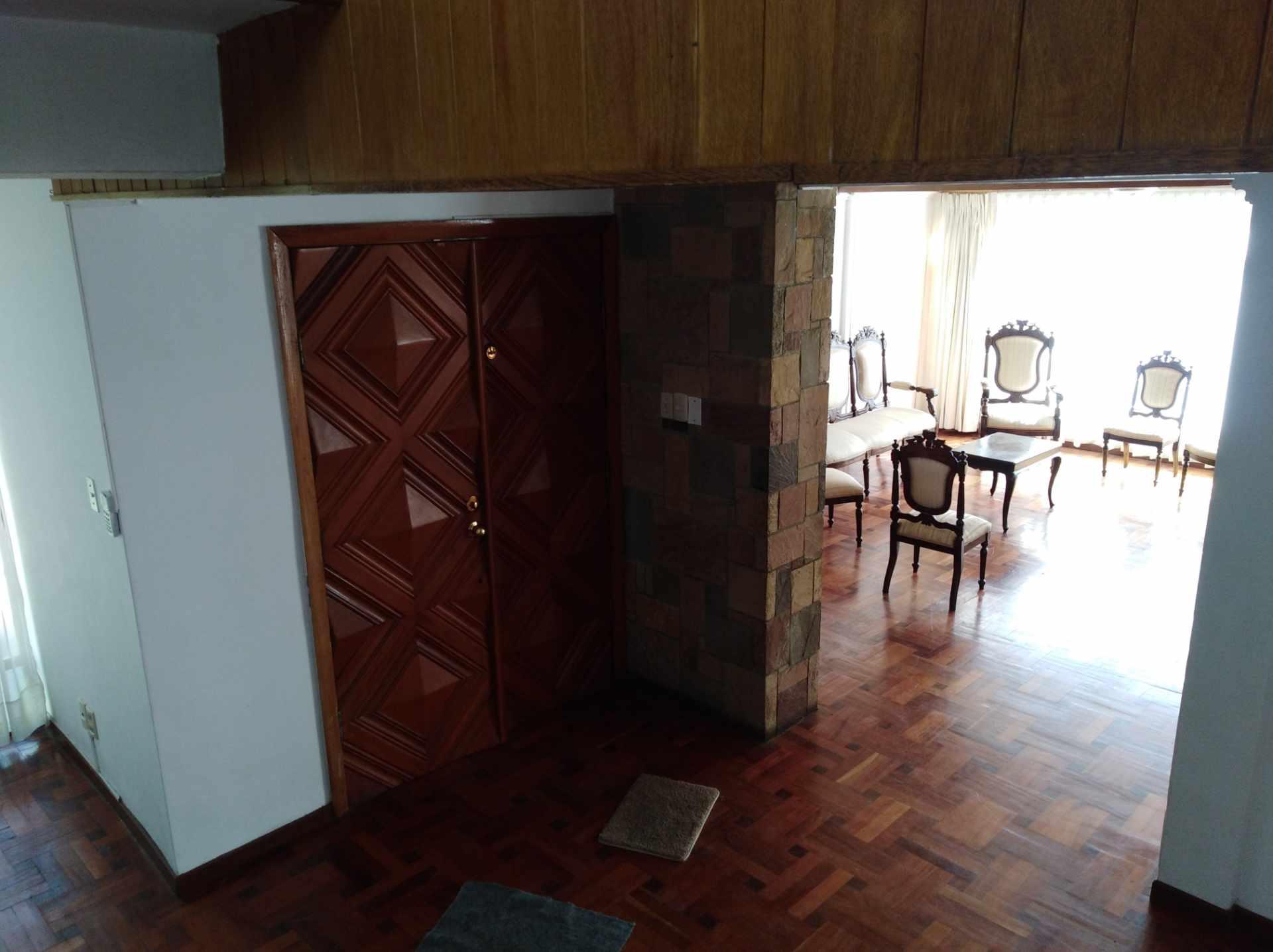 Casa en Alquiler CALACOTO calle 16 a 1/2 cuadra de la Av. Julio C. Patiño.  Foto 40