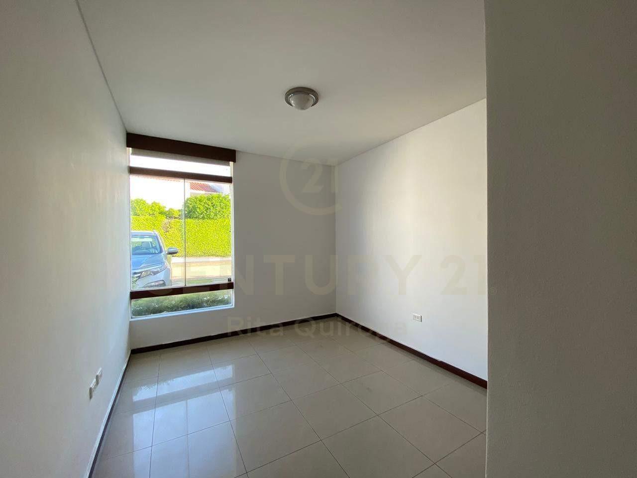 Casa en Alquiler 4to. Anillo, zona Sirari Foto 7