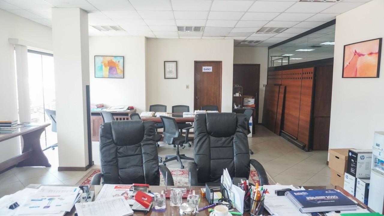 Oficina en Venta C/ Manuel Ignacio Salvatierra entre c/ Potosi y c/ Cochabamba Foto 9